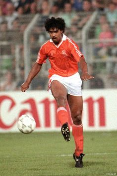Holland defender Frank Rijkaard in action at the 1990 World Cup Finals.