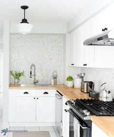 Kitchen cabinets Hidden Kitchen Storage: Turn a Filler Panel Into a Pull-Out Cabinet! Farmhouse Pantry Cabinets, Diy Kitchen Cabinets, Base Cabinets, Painting Kitchen Cabinets, Kitchen Tiles, Kitchen Storage, Space Kitchen, Diy Storage, Storage Ideas