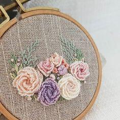 프랑스자수...내가 좋아하는 꽃자수♡#embroidery #프랑스자수 #stitching #별헤는자수스텔라 #ricamo #별헤는자수#handmade #bordado #bordados #neddlework #needlepoint #flower#꽃자수#자수소품#자수원데이클래스#창작도안#불펌앙대요#꽃리스#꽃리스자수#handmadembroidery#입체자수