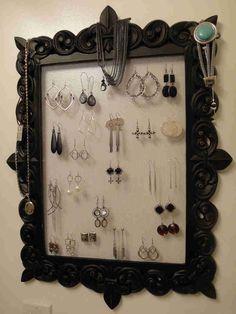 Love this DIY jewellery hanger
