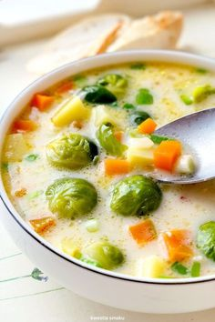 Zupa brukselkowa Kitchen Recipes, Soup Recipes, Cooking Recipes, Healthy Recipes, Food L, Good Food, Yummy Food, Comfort Food, Food Goals