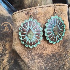 Torrey Earrings - copper patina southwest earrings from Savannah Sevens Western Chic Cute Jewelry, Boho Jewelry, Jewelry Accessories, Jewelry Design, Fashion Jewelry, Style Fashion, Womens Fashion, Western Earrings, Western Jewelry