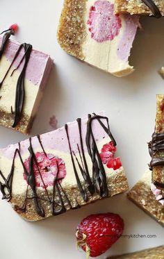 Raspberry Raw Vegan Cheesecake Slice Recipe #raw #recipes
