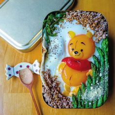 Quick breakfast recipes: Winnie the Pooh Bento Box ~. Winnie The Pooh, Cute Food, Yummy Food, Articles Pour Enfants, Cookies Banane, What Is Health, Food Art For Kids, Japanese Mom, Japanese Food Art