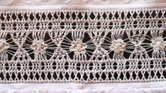 Vó Donazinha: bainha aberta Jacobean Embroidery, Hardanger Embroidery, Lace Embroidery, Drawn Thread, Thread Work, Gold Work, Needle Lace, Lost Art, Cutwork
