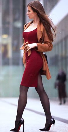 Sexy Outfits, Sexy Dresses, Nice Dresses, Cute Outfits, Fashion Outfits, Fashion Models, Girl Fashion, Women With Beautiful Legs, Pernas Sexy