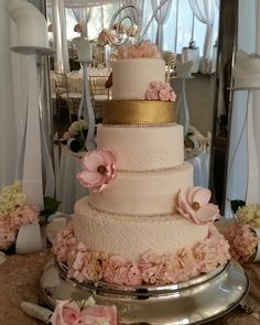 elegant gold wedding cake