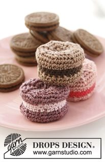 "Sweet Macaroons - Crochet DROPS macaroon in ""Cotton Viscose"" and ""Safran"" - Free pattern by DROPS Design"