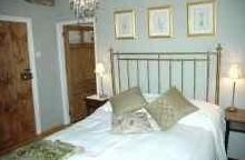 The Yat Country Guest House, Llandrindod Wells, Powys. Accommodation - Wales - Luxury - BandB