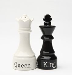 QUEEN & KING CHESS MAGNETIC SALT PEPPER SHAKERS CUTE | eBay