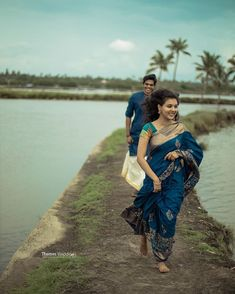 Photo Poses For Couples, Indian Wedding Couple Photography, Wedding Couple Poses Photography, Cute Photography, Couple Posing, Couples Images, Couple Shoot, Pre Wedding Poses, Pre Wedding Photoshoot