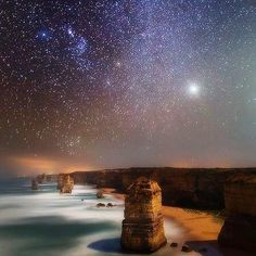 You almost think it's fake but you can see this view for real in Australia!  #Twelveapostles #Marinepark #Nationalpark #Greatoceanroad #australia #Marinenationalpark #Park #Apostles #Marine #Sky #Stars #View #Fake #Real #Ocean #Rocks #Beautiful #Wow #Bucketlist #Wanderlust #Wander #Wandering #Backpack #Backpacker #Backpacking #Backpackers #Backpackerbucketlist by backpackerbucketlist