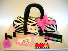 Cake Central - Hello Kitty Purse by Riky's Cakes - My entry for Cake International 2012 — Clothing / Shoe / Purse