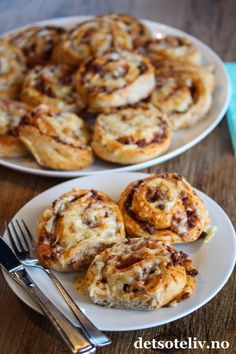 Norwegian Food, Norwegian Recipes, Lunch Time, Muffin, Food And Drink, Rolls, Pizza, Baking, Breakfast