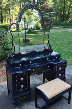 Old Vanity Makeover! old vanity makeover, painted furniture Gothic Furniture, Funky Furniture, Refurbished Furniture, Shabby Chic Furniture, Rustic Furniture, Furniture Makeover, Vintage Furniture, Painted Furniture, Street Furniture