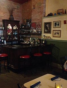 Casual fine dining in Williams, Az Red Raven, Grand Canyon South Rim, Fine Dining, Liquor Cabinet, Restaurant, Casual, Home Decor, Decoration Home, Room Decor