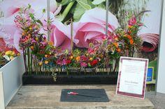 Ein Exotisch gehaltenes Tischgesteck vo Floristenwettbewerb 2014. Dieses Werkstück bekam den 2. Platz.