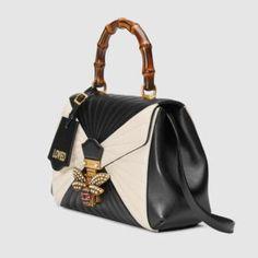 da49d7024a3b 476531_D8GBT_8350_002_075_0000_Light-Queen-Margaret-medium-top-handle-bag