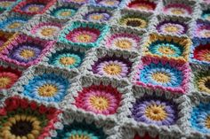 Link to free block pattern via Ravelry