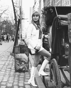 susan george in Movie Memorabilia Photographs Susan George Actress, British Celebrities, Swinging London, Hollywood Heroines, I Love Girls, Sexy Poses, Famous Women, Beautiful Actresses, Classic Hollywood