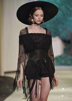 #runway #model #hat #black #model #fashion