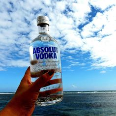 Engrandece tu viernes! #Absolut #AbsolutPuertoRico #BeachDay #Vodka #Premium #Funday #PR #Islander #Lifestyle