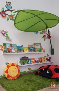 Reading corner for preschool| Rincón de lectura para preescolar.