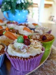 Ostern Gebäck - Cupcakes mit Rüebli und Hasenbrötli - photography - food Ⓒ PASTELPIX