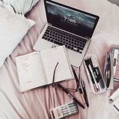 Find images and videos about motivation, school and study on We Heart It - the app to get lost in what you love. College Problems, Goodnotes 4, Fall Inspiration, Estilo Blogger, Study Organization, Pretty Notes, Study Space, Study Desk, Study Hard