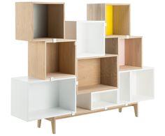 Ideal für Freigeister, (Lebens-)Künstler und Individualisten: Das Regalsystem STACKED von Muuto bietet Ihnen soviel Freiheit, wie es ein Regal nur tun kann. Die einzelnen Bauteile können Sie beliebig mit kleinen Clips anordnen und befestigen. Ob Raumteiler oder Wandregal – STACKED ist, was Sie wollen! Designed by Julien De Smedt. Modular Furniture, Furniture Design, Cubes, Muuto, Modular Storage, Closet Storage, Dresser Drawers, Furniture Inspiration, Decoration