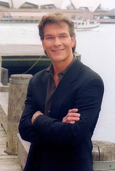 American actor Patrick Swayze attends a press conference to promote his new film 'To Wong Foo Thanks for Everything Julie Newmar' on January 29 Houston, Cinema, Idole, Hollywood, Dirty Dancing, A Guy Who, Raining Men, Dance Moves, Good Looking Men