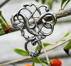 Vikingesmykker fra Sølvsmedene A og H Max Andersen Vikings, Bracelets, Jewelry, Urn, The Vikings, Jewels, Schmuck, Jewerly, Bracelet