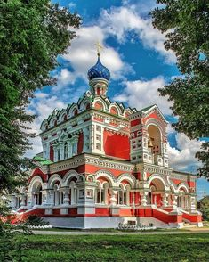 The Church of Saints Peter and Paul (built in Starozhilovo Town, Ryazan Province, Russia. Sacred Architecture, Russian Architecture, Church Architecture, Religious Architecture, Beautiful Architecture, Architecture Design, Interesting Buildings, Amazing Buildings, Unique Buildings