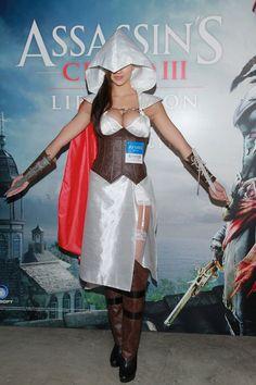 Après le cosplay de Jessica Nigri voici un magnifique cosplay d'Assassin's Creed : Alors vous la trouvez comment ? Aimeriez-vous qu'elle soit l'héroïne du