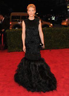 Cate Blanchett in Alexander McQueen and Van Cleef.... Sarah Burton is def staying true to the brand.... this screams McQueen!!