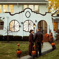 """Easy Halloween Window Webs If I get """"the"""" house, these will be PERFECT in the courtyard arches!"""