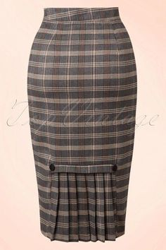 Juliet Pencil Skirt in Grey Gingham Classy Dress, Classy Outfits, Stylish Outfits, Fashion Outfits, Pencil Skirt Outfits, Pencil Skirts, Latest African Fashion Dresses, Printed Skirts, Outfit Ideas