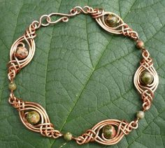 Celtic wire-wrap bracelet (tutorial)