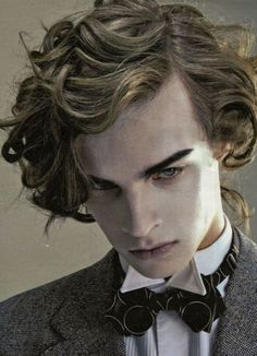 Victorian Curly Medium Hairstyles for men hair poses – Hair Models-Hair Styles Human Reference, Photo Reference, Kissing Reference, Character Reference, Pretty People, Beautiful People, You're Beautiful, Fotografie Portraits, Dorian Gray