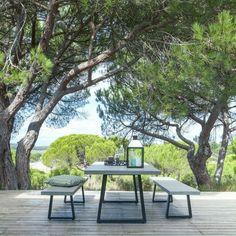 grande table de jardin en resine ampm