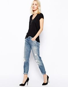 CURRENTLY COVETING | 7+For+All+Mankind+Boyfriend+Jeans+With+Distressing