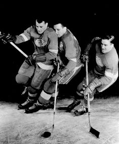 Ted Lindsay, Sid Abel and Gordie Howe Fighting for the Puck - 1953 The Detroit News Detroit Sports, Detroit News, Detroit Red Wings, Ted Lindsay, Hockey Pictures, Red Wings Hockey, Ice Hockey, Hockey Games, Good Old Times