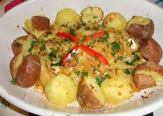 Bacalhau rápido cá de casa Portuguese Recipes, Portuguese Food, Portugal, Food And Drink, Fish, The Best, Stewed Potatoes, Hardboiled, Cod Recipes