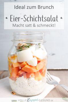 Du suchst noch nach einem leckeren Rezept für den gemütlichen Brunch zu Ostern mit deiner Familie? Dann haben wir hier etwas für dich! Übrigens nicht nur etwas für die Feiertage, der Salat eignet sich auch super für unterwegs. Ein Low Carb Rezept das lange sättigt und gute Energie für den Tag liefert. Das LCHF-Rezept findest du auf www.volle-kanne-gesund.de #lchf #lowcarbhighfat #lowcarb #lowcarbrezept #abnehmen #ostern #brunch #lunchbox