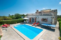 Villa Poley is a beautiful 3 bedroom villa with private pool, wifi, air con, PoolFence. Villa With Private Pool, Majorca, Spain, Outdoor Decor, Beautiful, Home Decor, Decoration Home, Room Decor, Sevilla Spain