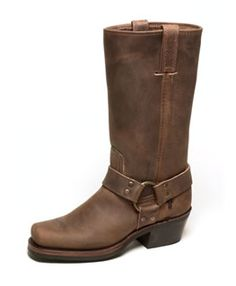 If you know me, then you will probably see me in these boots most of the time, whatever the season.