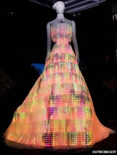 wow! One of my favourite pieces - high tech fashion