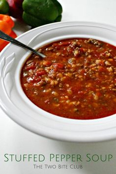 Stuffed Pepper Soup | thetwobiteclub.com