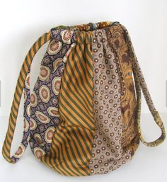 Items similar to Slouchy Silk Handbag from Recycled Silk Ties OOAK by The Bent Tree Gallery on Etsy Tie Crafts, Fabric Crafts, Sewing Crafts, Sewing Projects, Necktie Purse, Necktie Quilt, Old Neck Ties, Old Ties, Slouch Bags