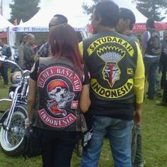 SATUDARAH MALUKU MC - INDONESIA (JAKCITY) Motorcycle Logo, Motorcycle Clubs, Bike Gang, Bat Boys, Biker Clubs, Biker Patches, Rocker Style, Cut And Color, Harley Davidson